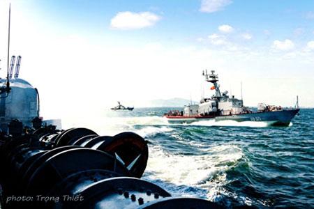 Hải quân Việt Nam luyện tập bắn đạn thật, Tin tức Việt Nam, Tin tức trong ngày, hai quan, ban dan that, tau, bien, ten lua, chien dau