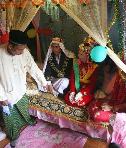 Đám cưới truyền thống của người Chăm, Du lịch, dam cuoi truyen thong, phong tuc nguoi cham, nguoi cham, dan toc cham, dam cuoi, lay chong lay vo, du lich