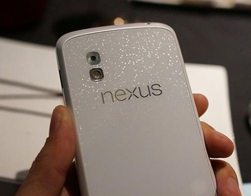 LG Nexus 4 màu trắng xuất hiện tại Việt Nam, Dế sắp ra lò, Thời trang Hi-tech, Nexus 4 mau trang, LG Nexus 4 mau trang, LG Nexus 4, gia LG Nexus 4, gia Nexus 4 mau trang, LG, Nexus 4, Nexus moi, LG Nexus moi, dien thoai LG Nexus 4, dien thoai, dien thoai LG, Nexus 4, anh LG Nexus 4, smartphone LG Nexus 4, Optimus G, dien thoai, dtdd