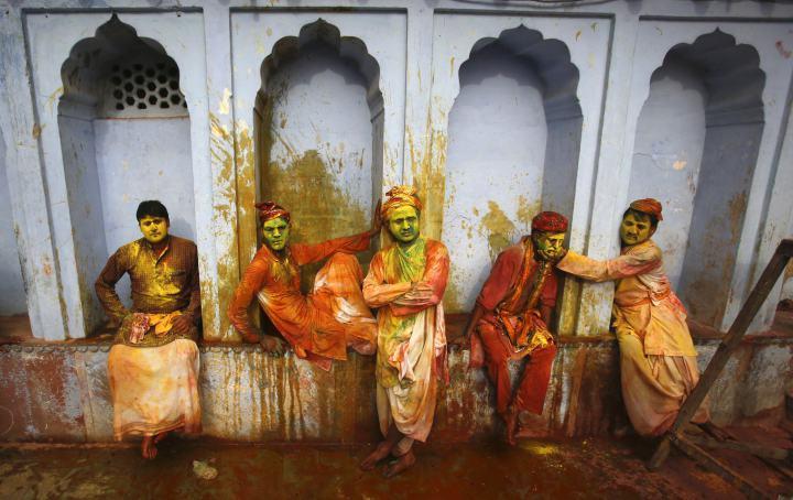 Lạ & Cười - Ảnh: Sắc màu ấn tượng trong lễ hội lớn nhất Ấn Độ (Hình 10).