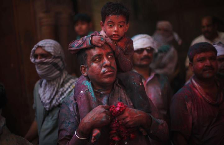 Lạ & Cười - Ảnh: Sắc màu ấn tượng trong lễ hội lớn nhất Ấn Độ (Hình 5).
