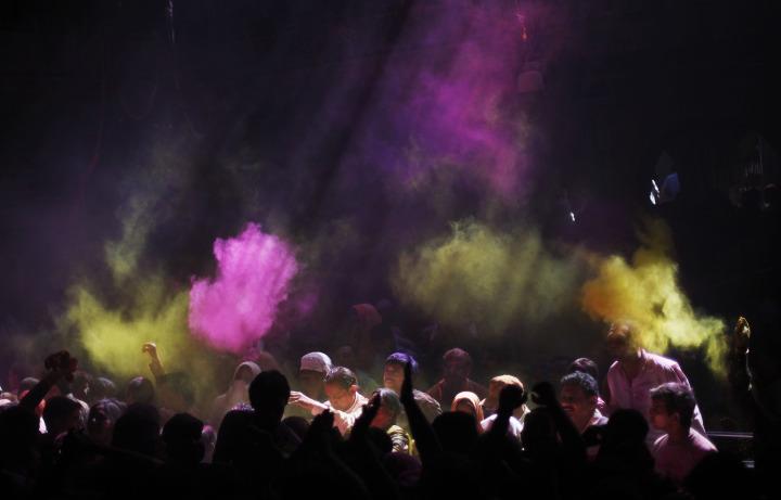 Lạ & Cười - Ảnh: Sắc màu ấn tượng trong lễ hội lớn nhất Ấn Độ (Hình 8).