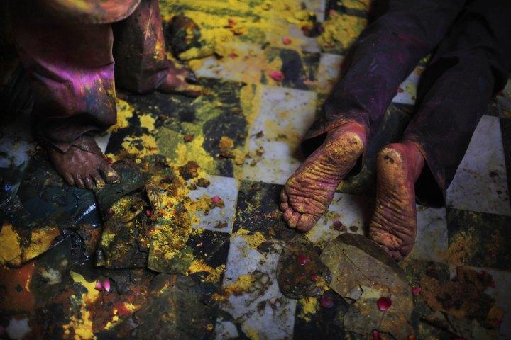 Lạ & Cười - Ảnh: Sắc màu ấn tượng trong lễ hội lớn nhất Ấn Độ (Hình 9).