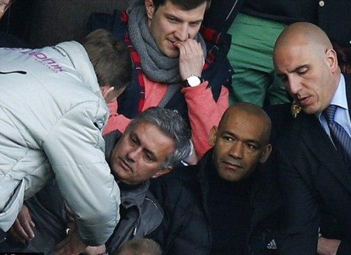 http://media.tinmoi.vn//2013/04/14/mourinho2.jpg