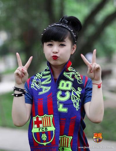 Cule nữ Việt Nam xuất hiện rạng ngời trên báo Tây Ban Nha