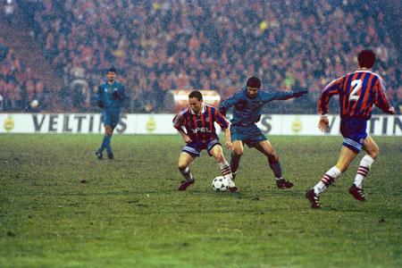 Bóng đá Quốc tế - Ngược dòng lịch sử những cuộc đối đầu của Bayern và Barca (Hình 6).