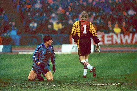 Bóng đá Quốc tế - Ngược dòng lịch sử những cuộc đối đầu của Bayern và Barca (Hình 7).