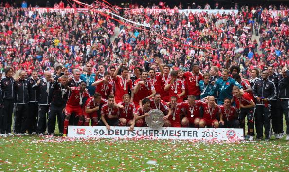 Bóng đá Quốc tế - Chùm ảnh: Chiến thắng trên sân nhà, Bayern đón Đĩa bạc hoàn hảo (Hình 2).