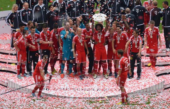 Bóng đá Quốc tế - Chùm ảnh: Chiến thắng trên sân nhà, Bayern đón Đĩa bạc hoàn hảo (Hình 6).