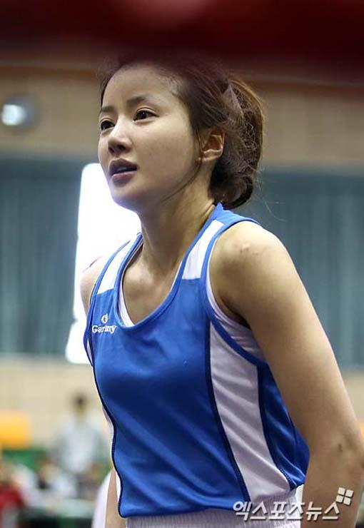 Hậu trường - Nữ boxer Hàn Quốc cực kỳ xinh đẹp (Hình 2).