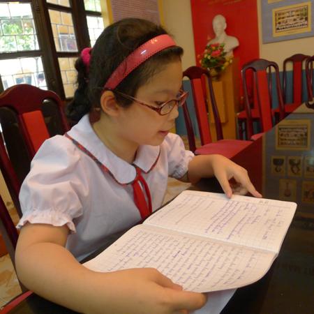 Xã hội - Rơi nước mắt trước lá thư gửi bà của bé lớp 3 (Hình 4).
