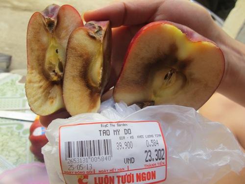 BigC bán táo thối cho khách hàng
