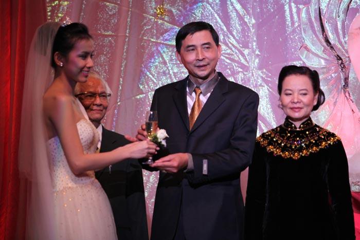 Hình ảnh Toàn cảnh đám cưới Hoa hậu Thùy Lâm số 25