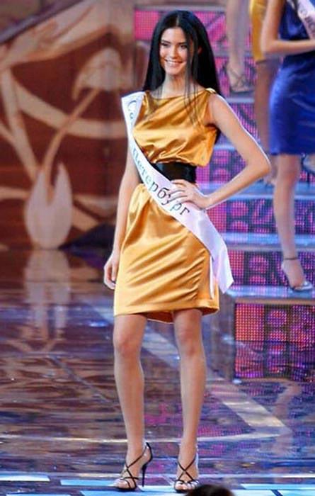 Hình ảnh Hoa hậu Nga: Sau khỏa thân sẽ là… số 28