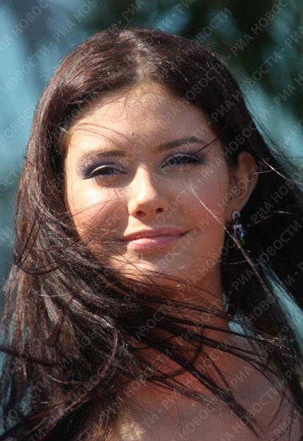 Hình ảnh Hoa hậu Nga: Sau khỏa thân sẽ là… số 4
