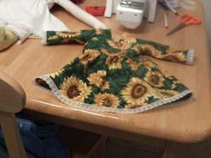 Hình ảnh Tận dụng vải thừa làm búp bê cho bé! số 5