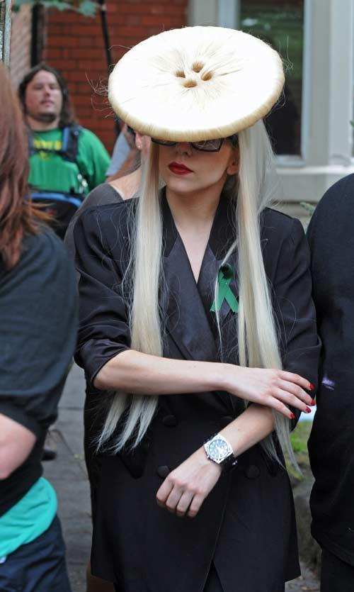 [25/01/2010]Lady GaGa: Tự biết mình rất quyến rũ! Lady-gaga-26