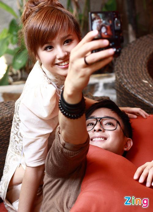 Hình ảnh Justin Nguyễn âu yếm hot girl Tâm Tít số 9