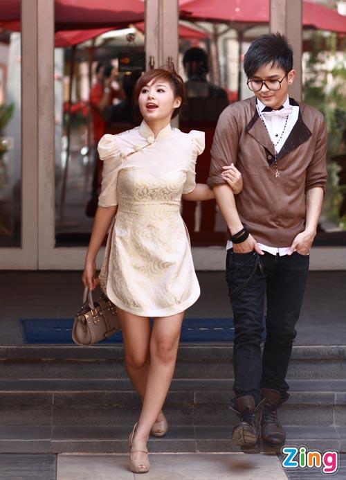 Hình ảnh Justin Nguyễn âu yếm hot girl Tâm Tít số 12