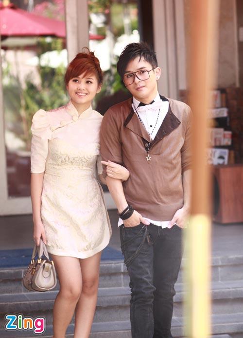 Hình ảnh Justin Nguyễn âu yếm hot girl Tâm Tít số 13