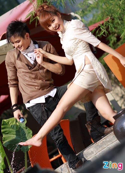 Hình ảnh Justin Nguyễn âu yếm hot girl Tâm Tít số 18