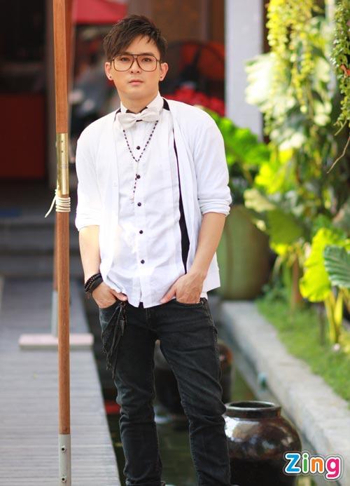 Hình ảnh Justin Nguyễn âu yếm hot girl Tâm Tít số 20