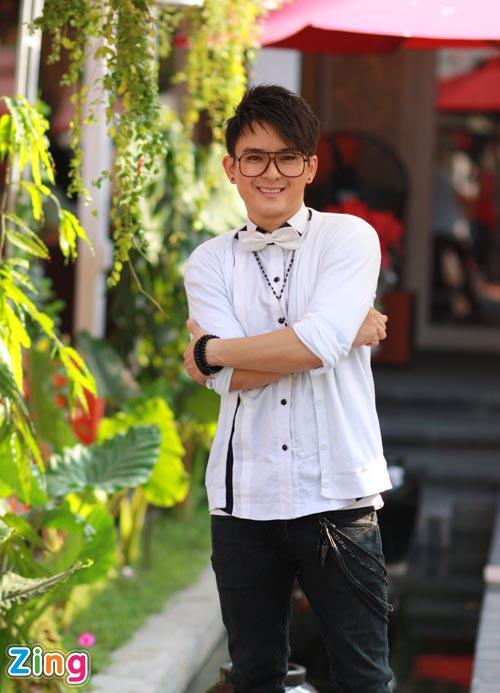 Hình ảnh Justin Nguyễn âu yếm hot girl Tâm Tít số 21