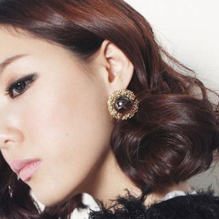 Hình ảnh Vẻ đẹp quý phái với khuyên tai nụ số 27