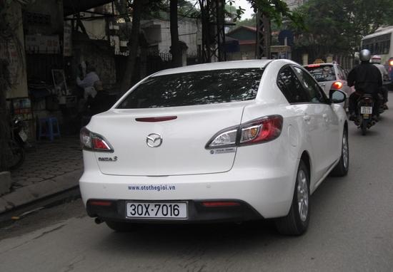 Hình ảnh Điều chỉnh giá tính lệ phí trước bạ với ôtô, xe máy số 1