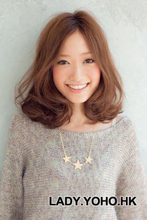 Hình ảnh Tóc xoăn phồng lý tưởng cho mái tóc ngắn số 5