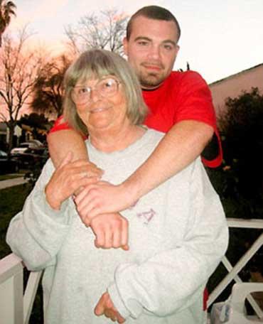 Chuyện khó tin: Bà có con với cháu 1272788946_images1959172_4