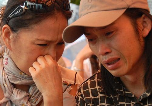 Hình ảnh Những giọt nước mắt trong đám tang Hữu Lộc số 1