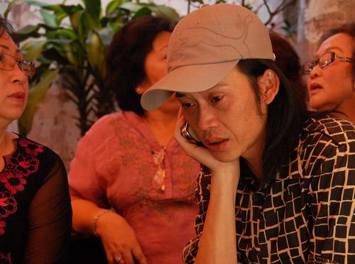Hình ảnh Những giọt nước mắt trong đám tang Hữu Lộc số 5