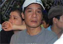 Hình ảnh Những giọt nước mắt trong đám tang Hữu Lộc số 36