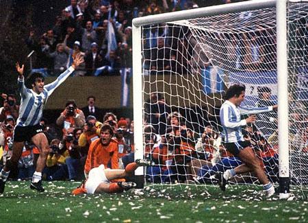 Hình ảnh Các vua phá lưới ở 18 kỳ World Cup số 11