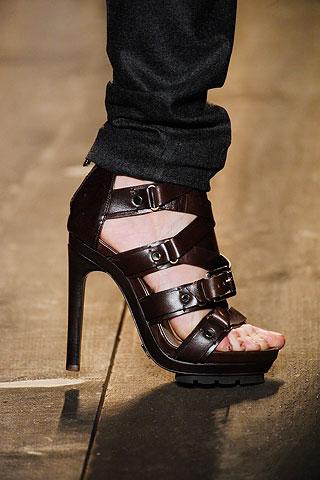 Hình ảnh Những xu hướng giày hot nhất thu đông này số 4