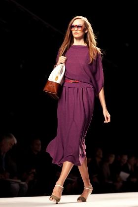 Hình ảnh Những mẫu váy lửng hấp dẫn nhất mùa thu đông 2010 số 15