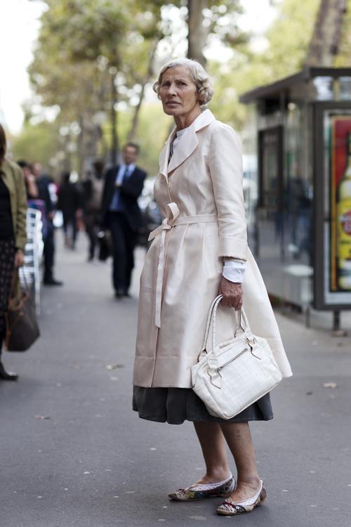 Hình ảnh Những mẫu váy lửng hấp dẫn nhất mùa thu đông 2010 số 18