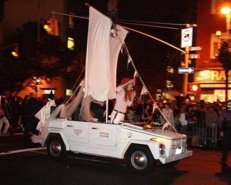 http://media.tinmoi.vn/2010/10/29/2_36_1288330268_52_Hallo-car-291010-4.jpg