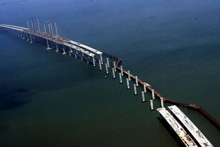 Cầu vượt biển dài nhất thế giới 2_8_1294056895_84_c1btn_china6