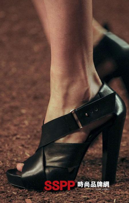 Hình ảnh Những mẫu giầy mới nhất 2011 của Hermes và John Galliano số 4