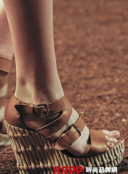 Hình ảnh Những mẫu giầy mới nhất 2011 của Hermes và John Galliano số 9