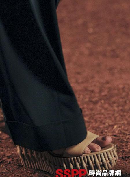 Hình ảnh Những mẫu giầy mới nhất 2011 của Hermes và John Galliano số 12