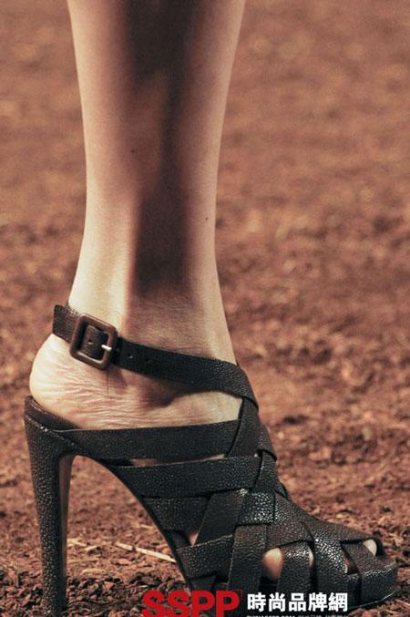 Hình ảnh Những mẫu giầy mới nhất 2011 của Hermes và John Galliano số 13