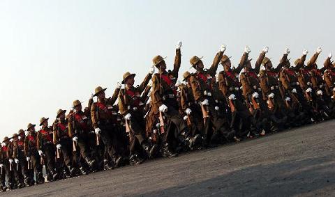 Hình ảnh Đến lượt Ấn Độ phô diễn sức mạnh quân sự số 3