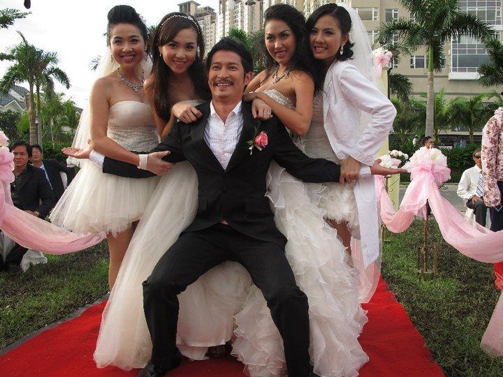 Cô dâu đại chiến - Battle of the Brides 2011