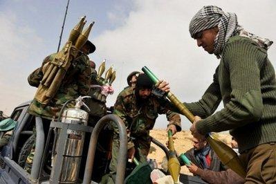 Hình ảnh Thủ đô Libya rung chuyển bởi súng đại liên số 3