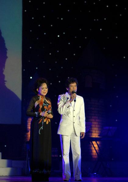 Hình ảnh Quang Lê hát với quê hương miền Trung số 8