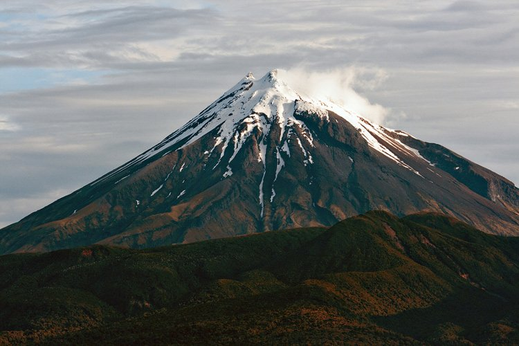 Image result for Núi Taranaki ở New Zealand