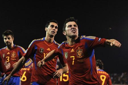 Hình ảnh Nhìn lại loạt trận vòng loại Euro 2012 đêm qua số 3